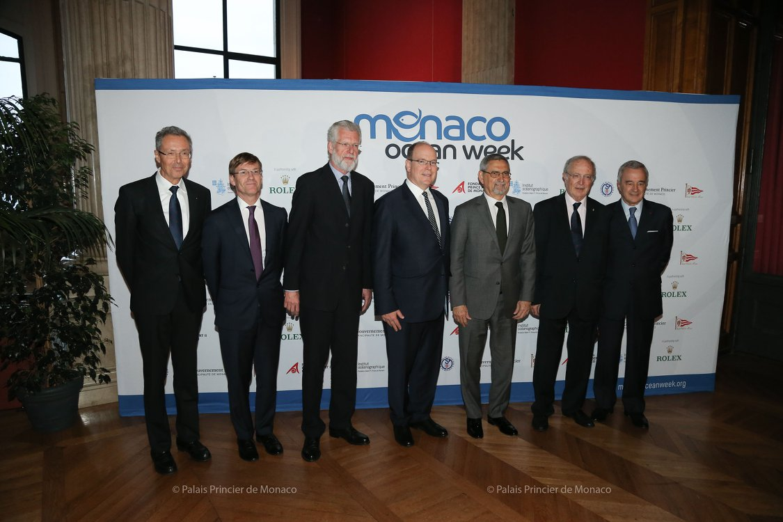 MOW 2018: H.S.H. Prince Albert II of Monaco and H.E. Mr Jorge Carlos Fonseca, President of the Republic of Cabo Verde, with to their right, Prof. Dr Peter Herzig, Director and CEO of GEOMAR Helmholtz Centre for Ocean Research Kiel, Colonel Bruno Philipponnat, Mr Robert Calcagno, CEO of the Oceanographic Institute, to their left, H.E. Mr Bernard Fautrier, Managing Director and Vice-President of the Prince Albert II of Monaco Foundation, Prof. Patrick Rampal, President of the Scientific CentreofMonaco. Image credit: Michel Dagnino.